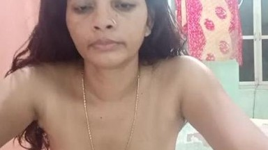 Mature bhabhi striping and showing her boobs in live video chat